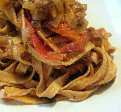Quasi Pasta Bolognese (via eating/sf)